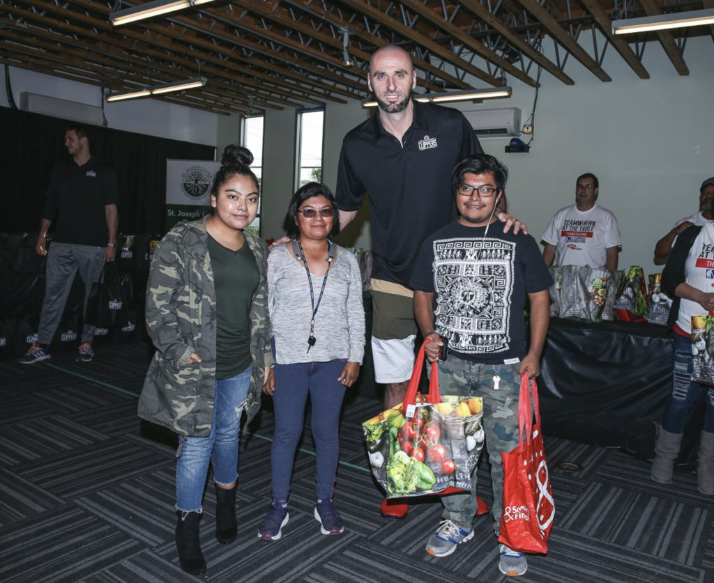 L.A. Clippers Foundation to Feed 500 Families at 30th Annual Teamwork at the Table Event