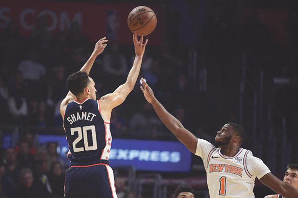 Clippers Rout Knicks