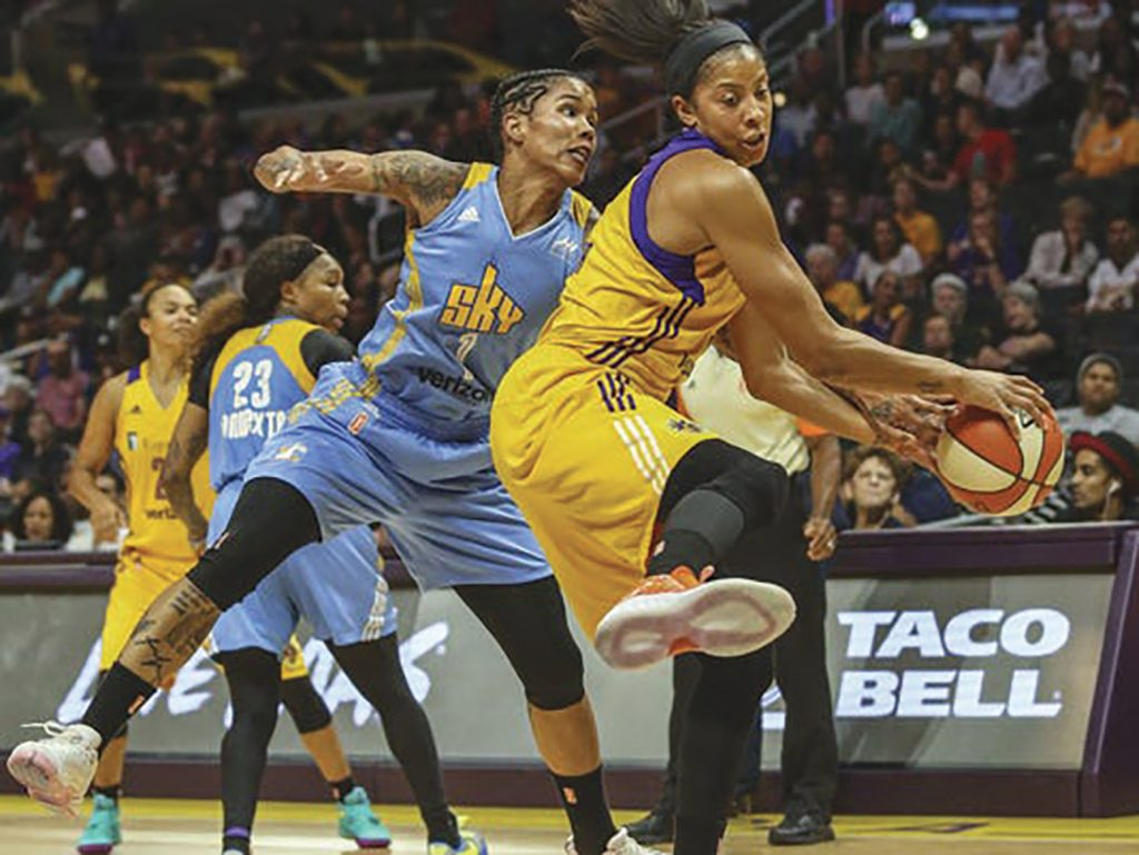 Los Angeles Sparks Rout Chicago Sky