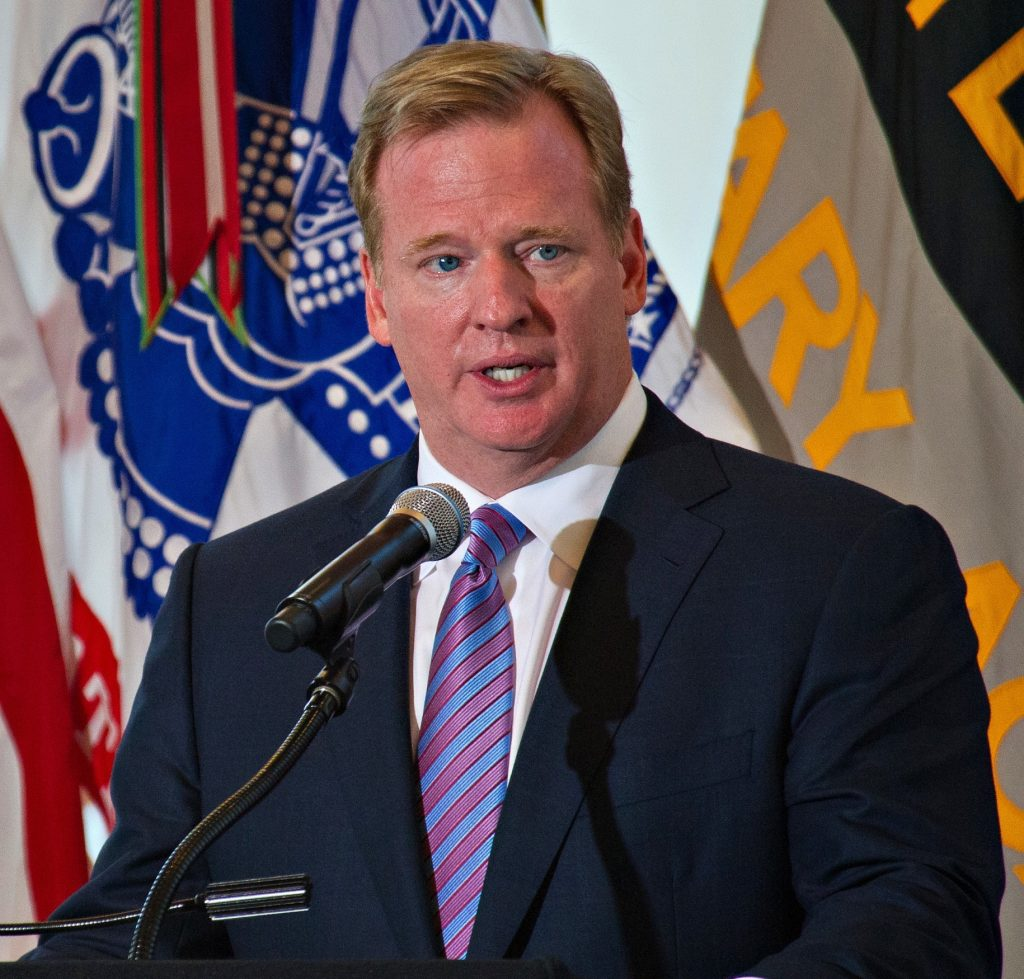 NFL Announces Major Steps to Incentive Teams to Hire Minorities for Top Posts