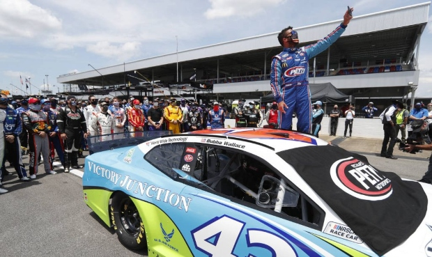 Bubba Wallace Rolls on Despite Incident