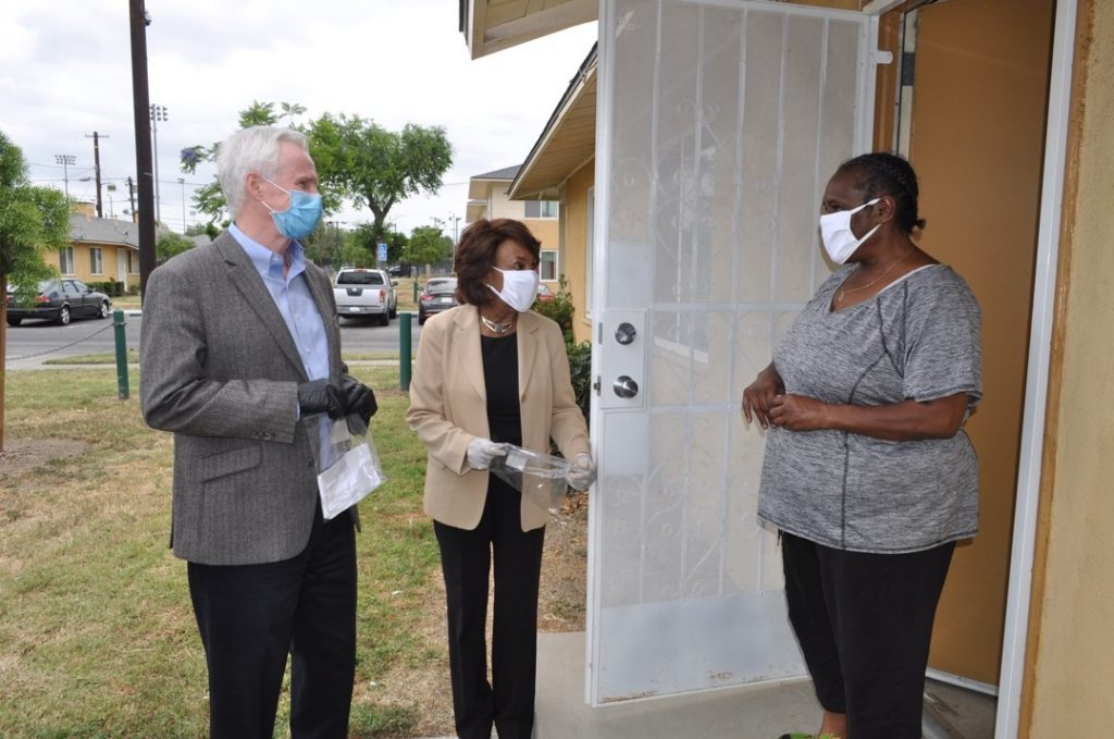 Rep. Maxine Waters, HACLA Deliver Masks & COVID-19 Testing Info to Avalon Gardens Public Housing Residents