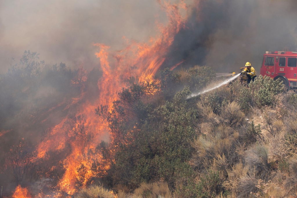 California's Neighbors Jump in to Help State Beat Back Brutal Wildfires