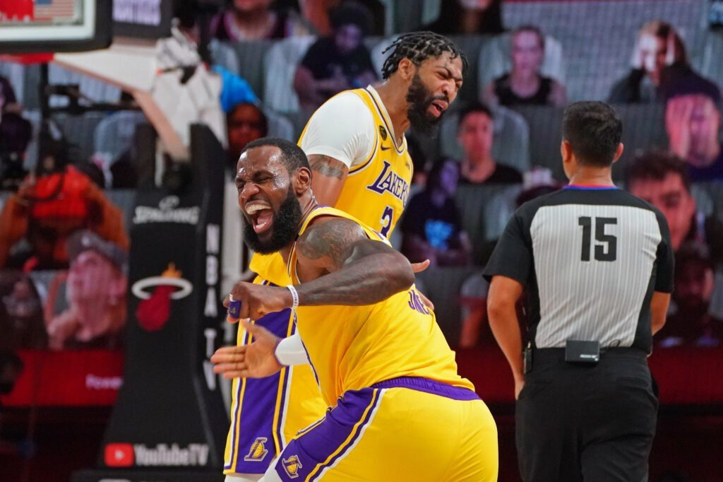 Lakers Trying to Win Another Title