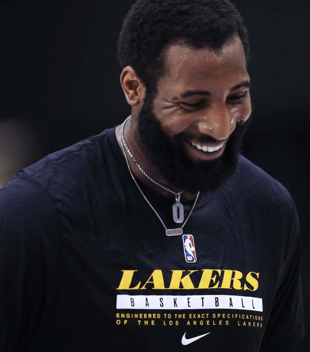 Lakers Begin With a New 'Drumbeat'