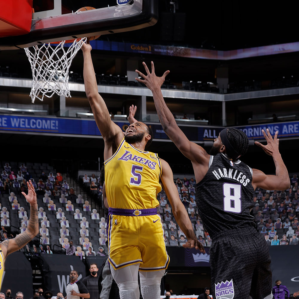 Lakers trying to manage without stars